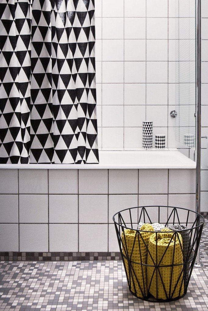 Black and White Shower Curtain - Triangle
