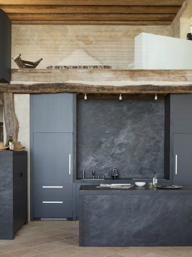 black kitchen design 30