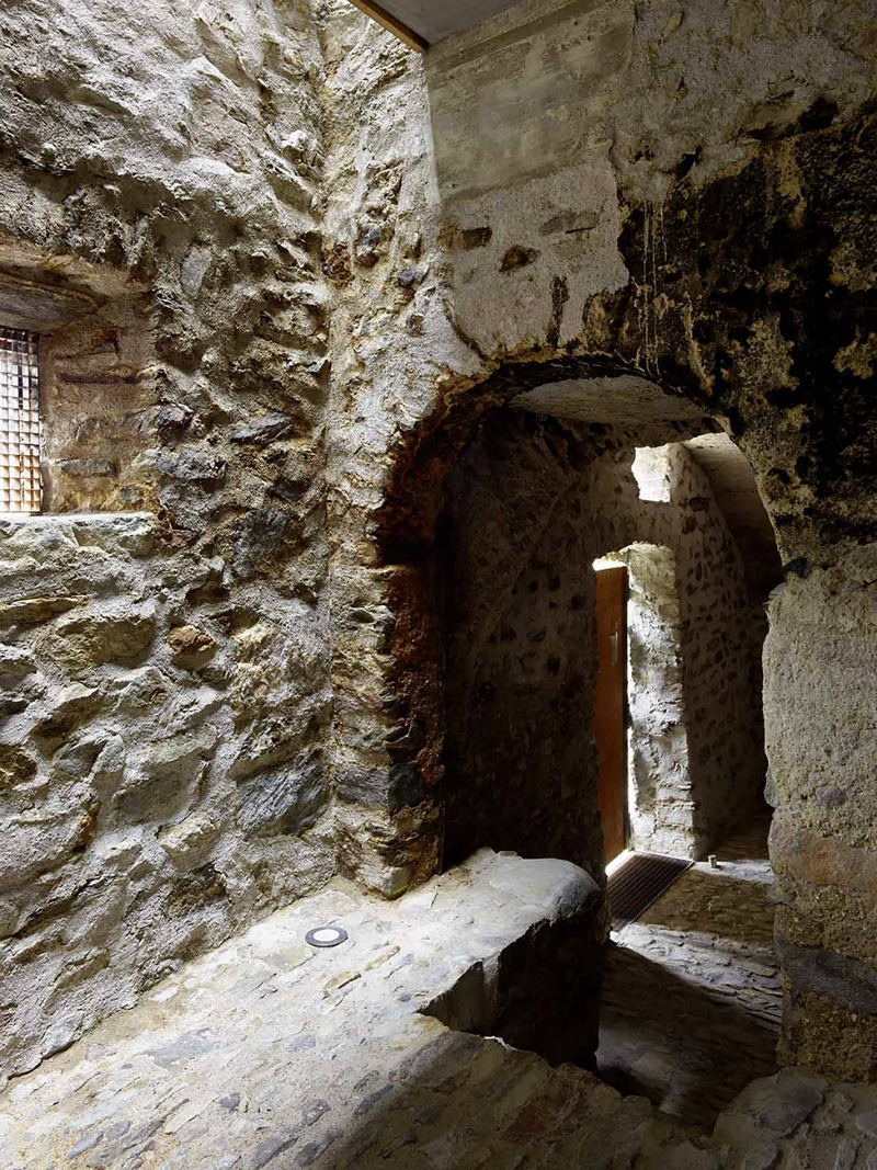cave house contemporary stone interior 13
