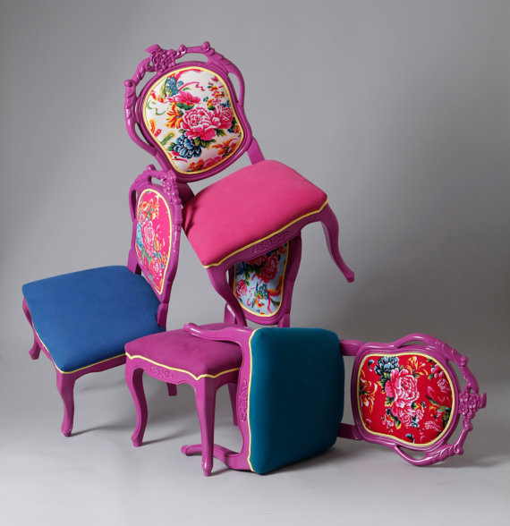 Colorful traditional crafted dining chairs in 4 pieces