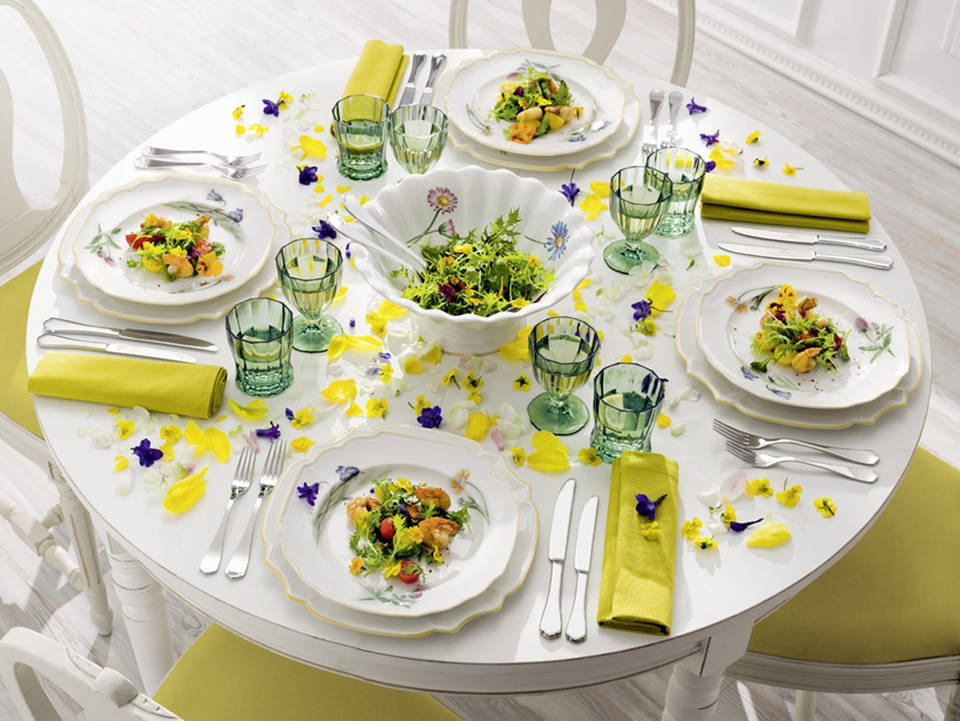 Easter Table Decorations 33