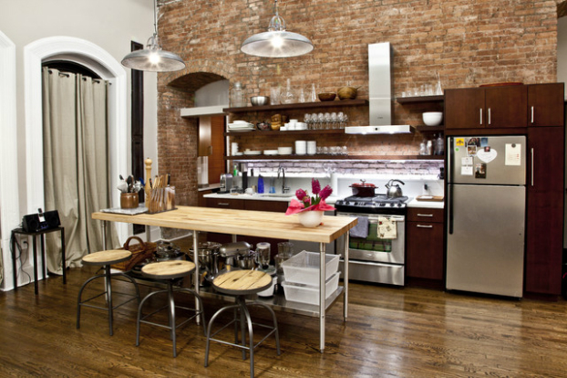 Loft with industrial elegance decoholic for Small loft kitchen designs