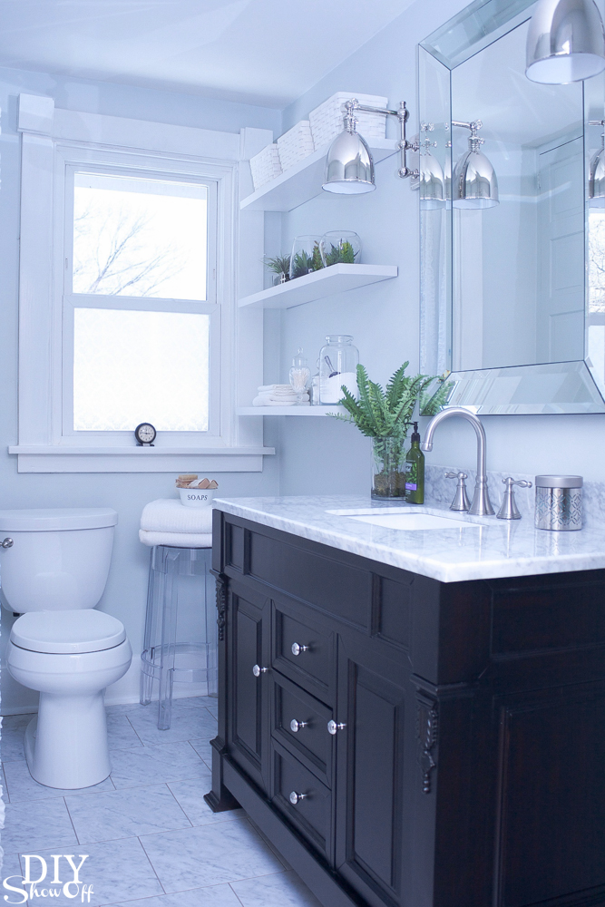 Small bathroom remodeling guide 30 pics decoholic Small bathroom makeovers