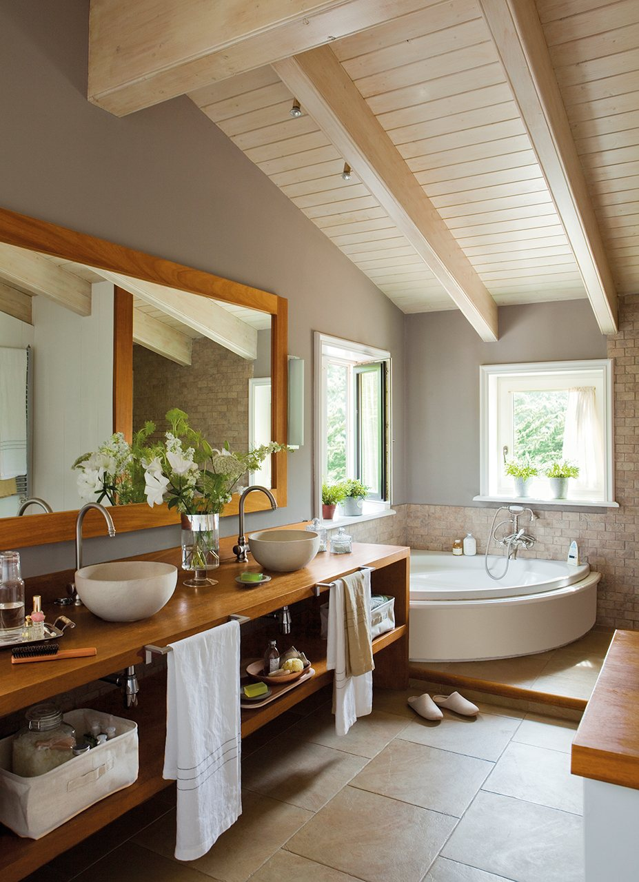 Small bathroom remodeling guide 30 pics decoholic for Latest bathroom remodels