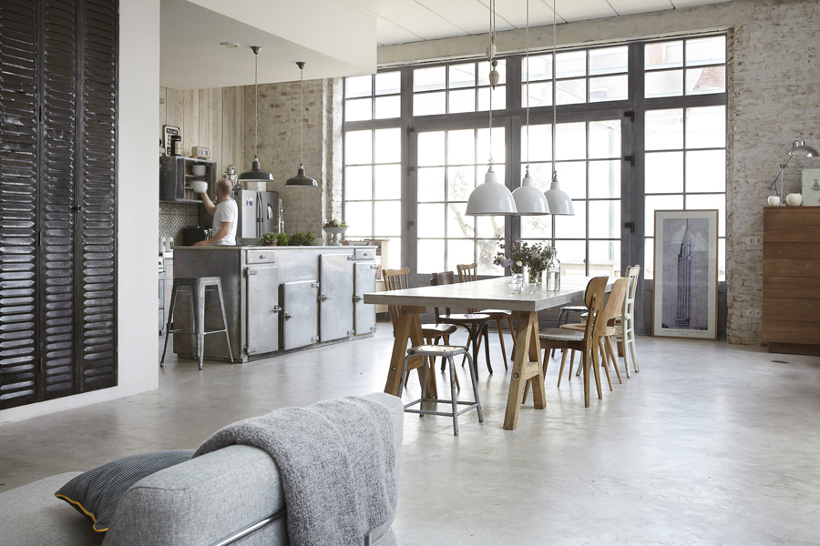 Industrial Yet Cozy and Inviting House