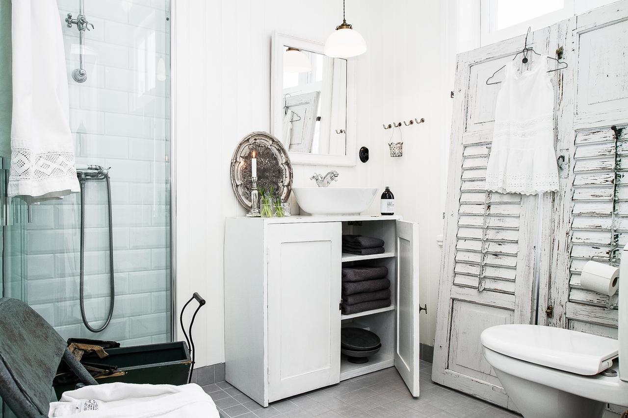 Incredibly Stylish Apartment 10