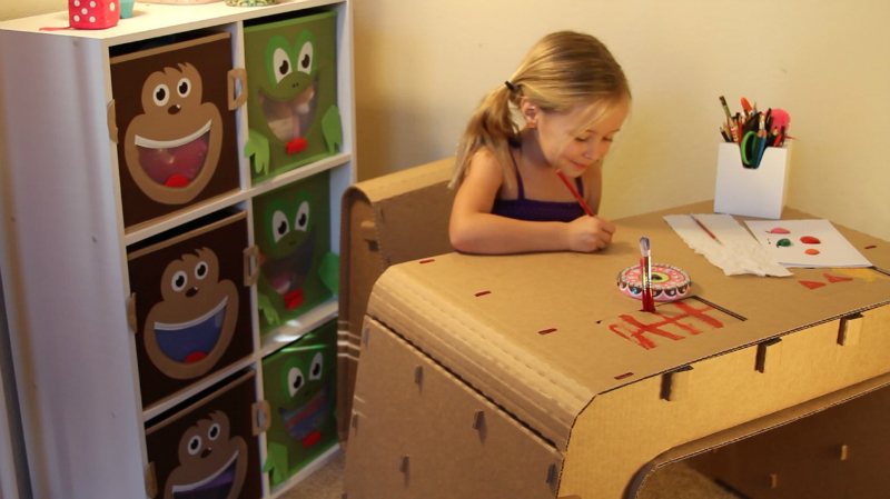 Recyclable Kids Furniture You Can Draw On‏ 5