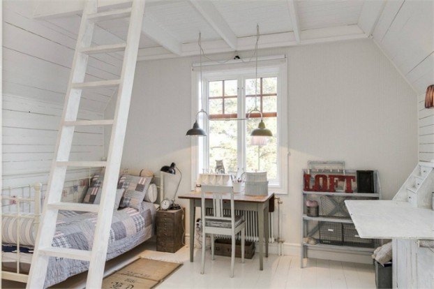 Interesting and Exciting Shabby Chic House 27