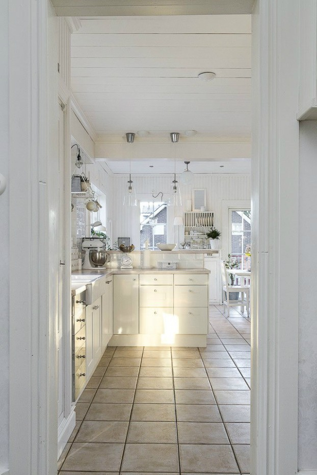 Interesting and Exciting Shabby Chic House 5