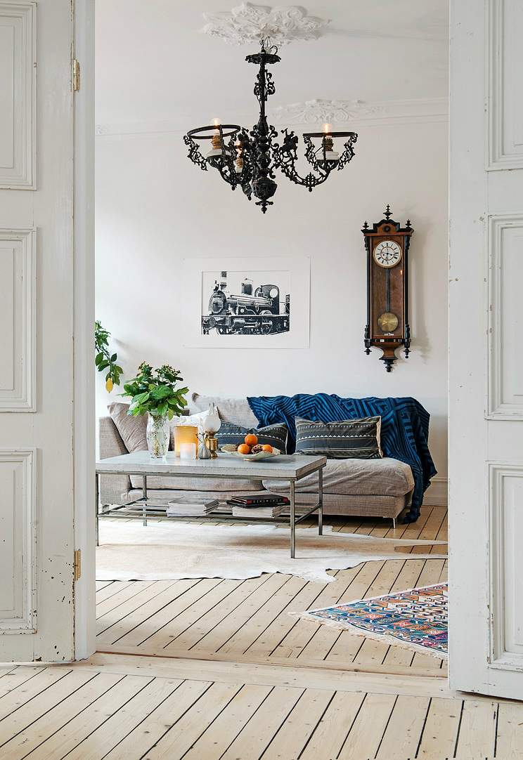 eclectic scandinavian home interior 10