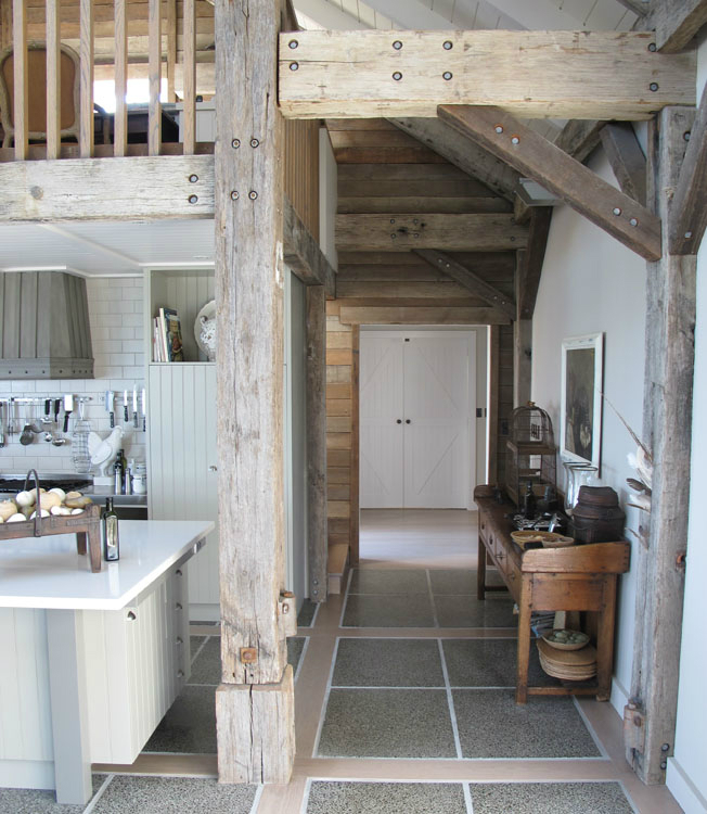 Interior design by sumin chaplin decoholic for Barn house interior