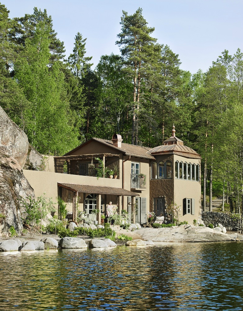 Classic Provence Style House in Modern Sweden 30