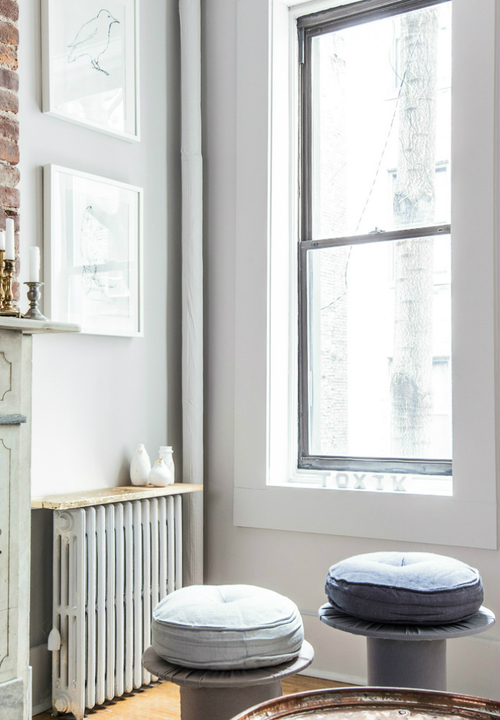 Modest And Neutral Yet Cosy And Inviting Ny Apartment