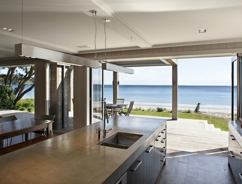 Onetangi Beach House 6
