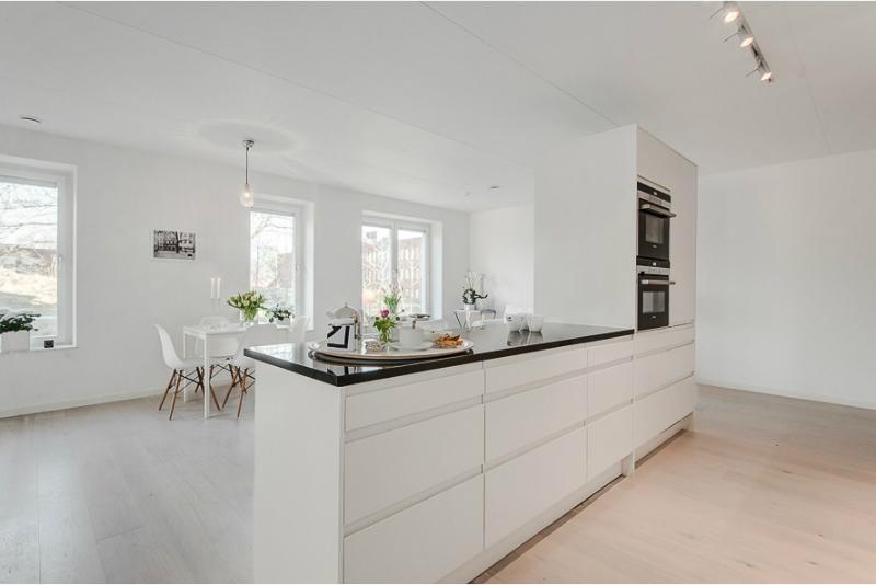 Pure White Scandinavian Interior 7