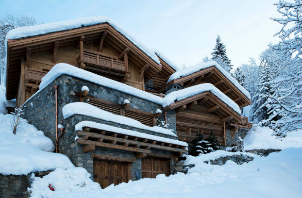 Magnificent Chalet Faithful to the Traditional Savoyard Style 17