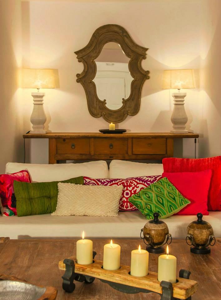 Aqua Luxury Suites In Santorini 10