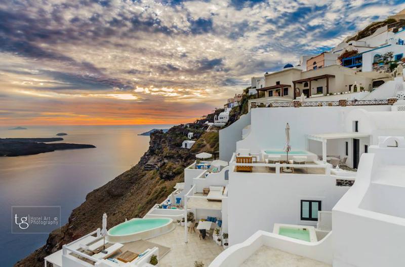 Aqua Luxury Suites In Santorini 30
