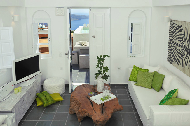 Aqua Luxury Suites In Santorini 6