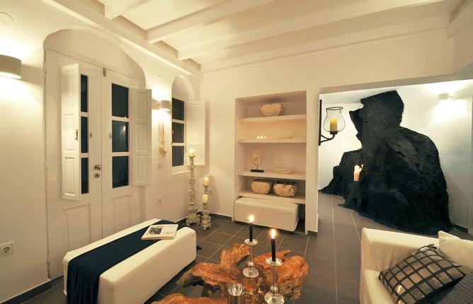 Aqua Luxury Suites In Santorini 7