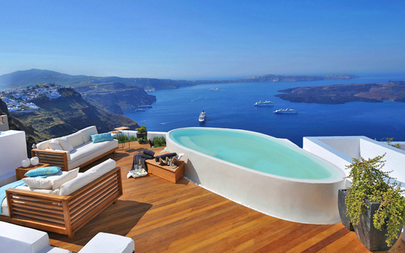 Aqua Luxury Suites In Santorini