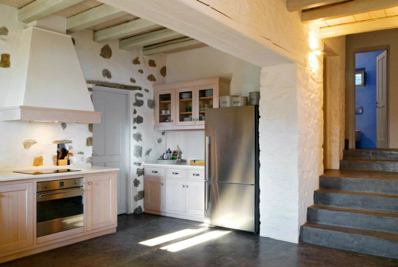 Kitchen Design Ideas with Stone Walls 43