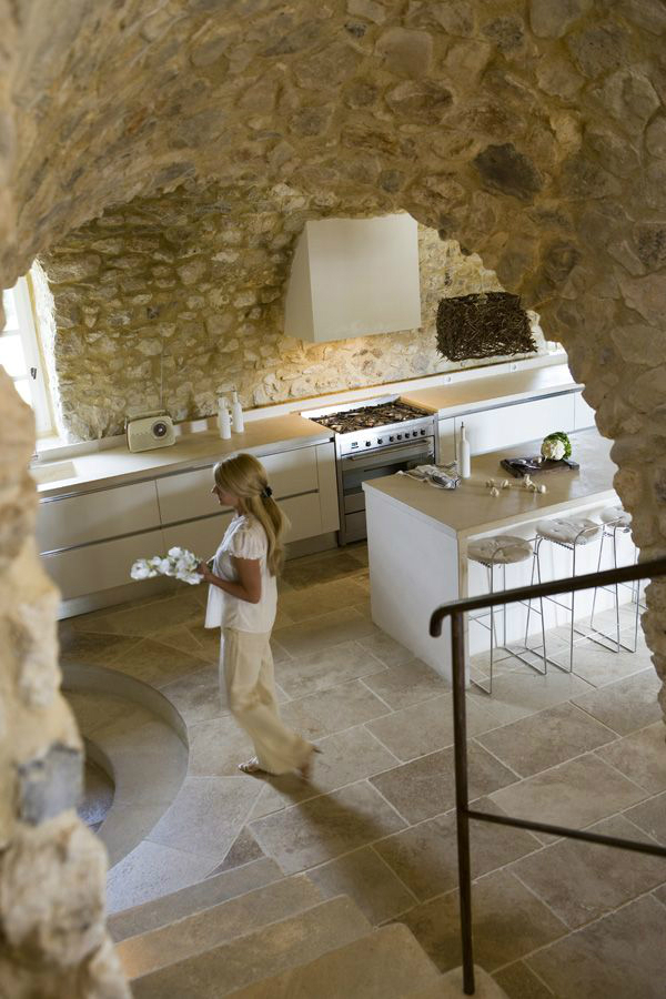 Kitchen Design Ideas with Stone Walls 8
