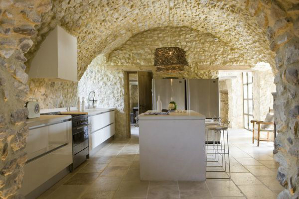 Kitchen Design Ideas with Stone Walls 9
