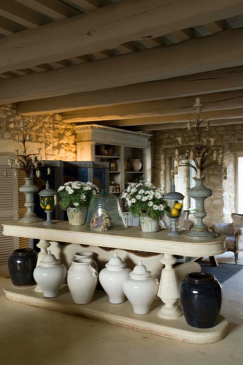 An Elegant 18th Century Residence Nestled Amongst The Provencal Vines16
