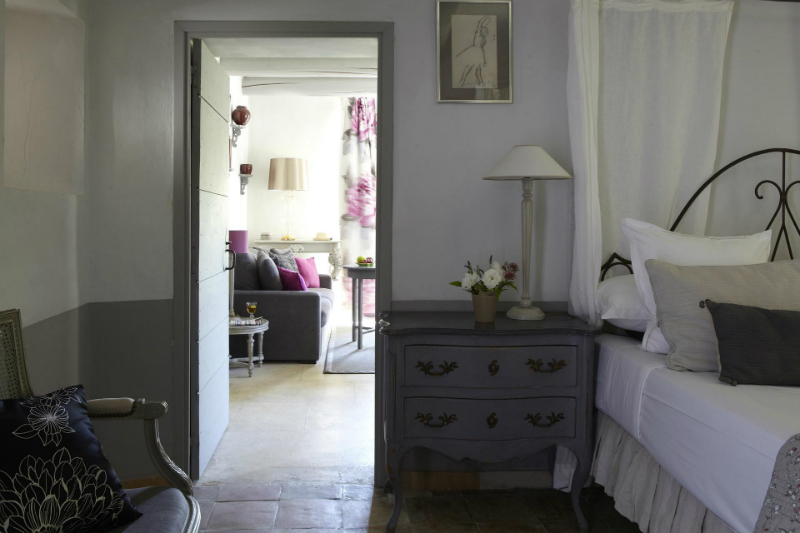 An Elegant 18th Century Residence Nestled Amongst The Provencal Vines3