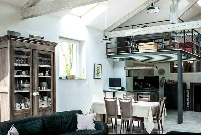 A Loft Space With Unique Dimensions And Cool Style 4
