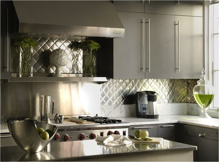 gray kitchen design idea 18