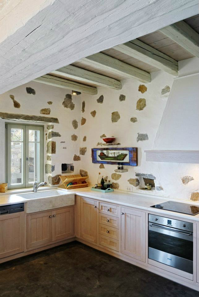 Kitchen Design Ideas with Stone Walls 42