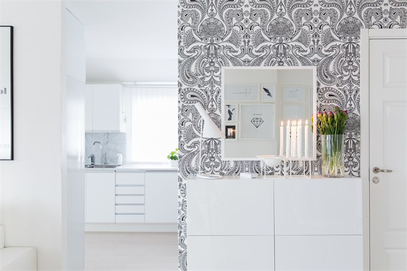 Black and White Decor Creates Instant Flair 7