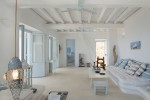 White Stucco Creates An Inspiring Vision