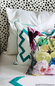 How To Mix Pillow Pattern To Enhance Your Decor 22