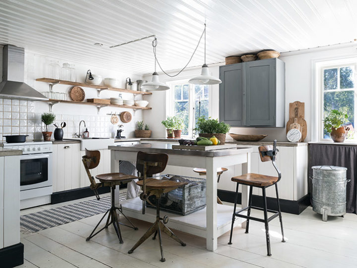 vintage decor in kitchen