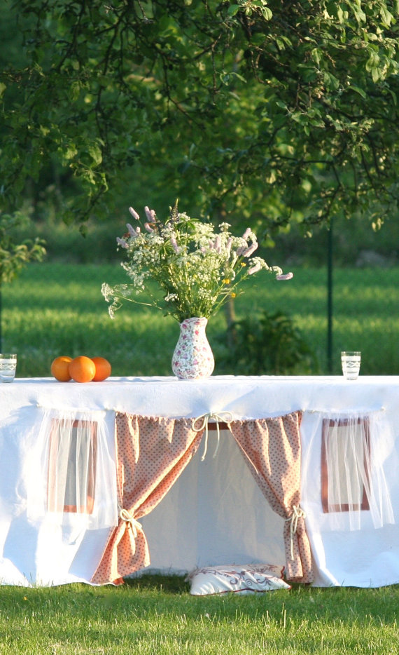 Playhouse tablecloth 3