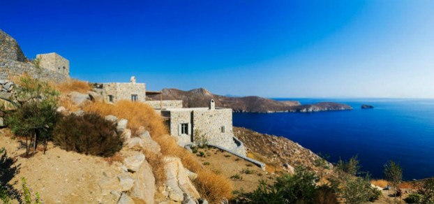 Unique Cliff-Top Home on Serifos Island - Decoholic 20