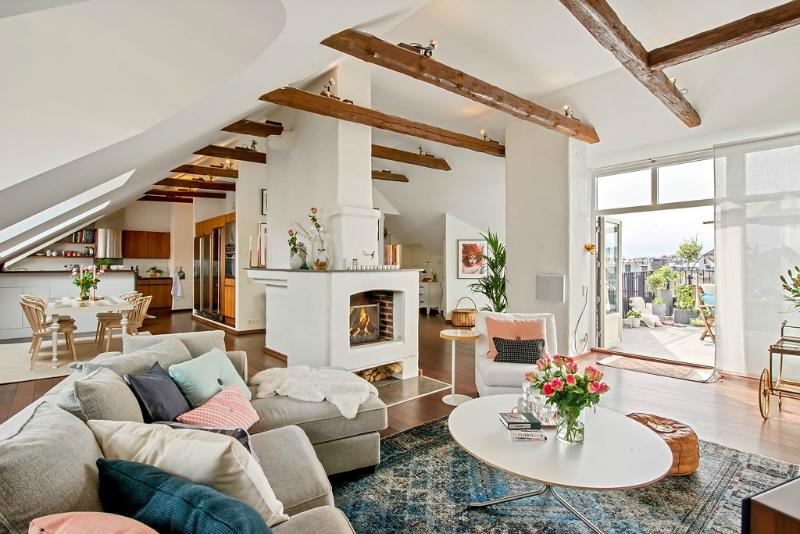 light open cozy loft