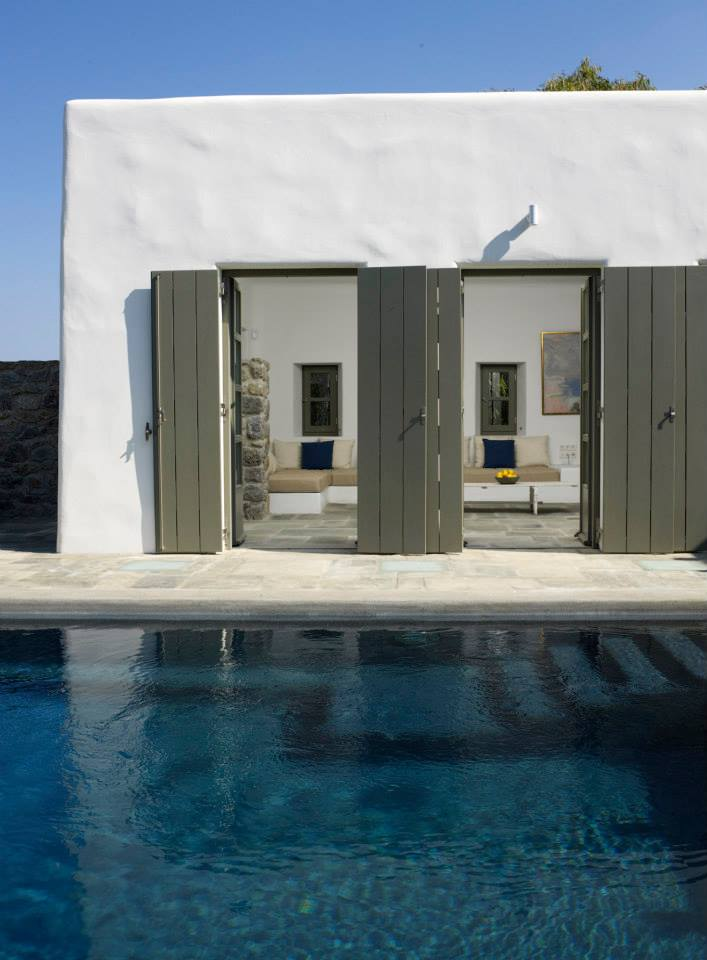 modern cycladic interior with a sense of invisible