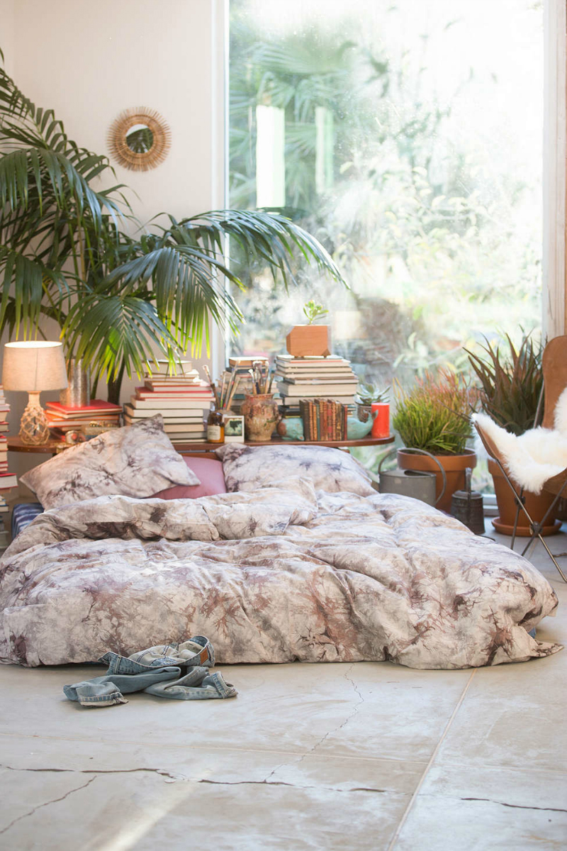 31 bohemian bedroom ideas decoholic - Bedroom with mattress on the floor ...