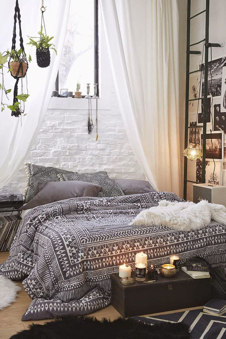 31 bohemian bedroom ideas decoholic for Bedroom curtains and bedding