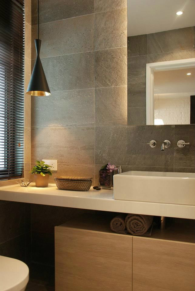 28 powder room ideas decoholic for Granite and tile bathroom ideas