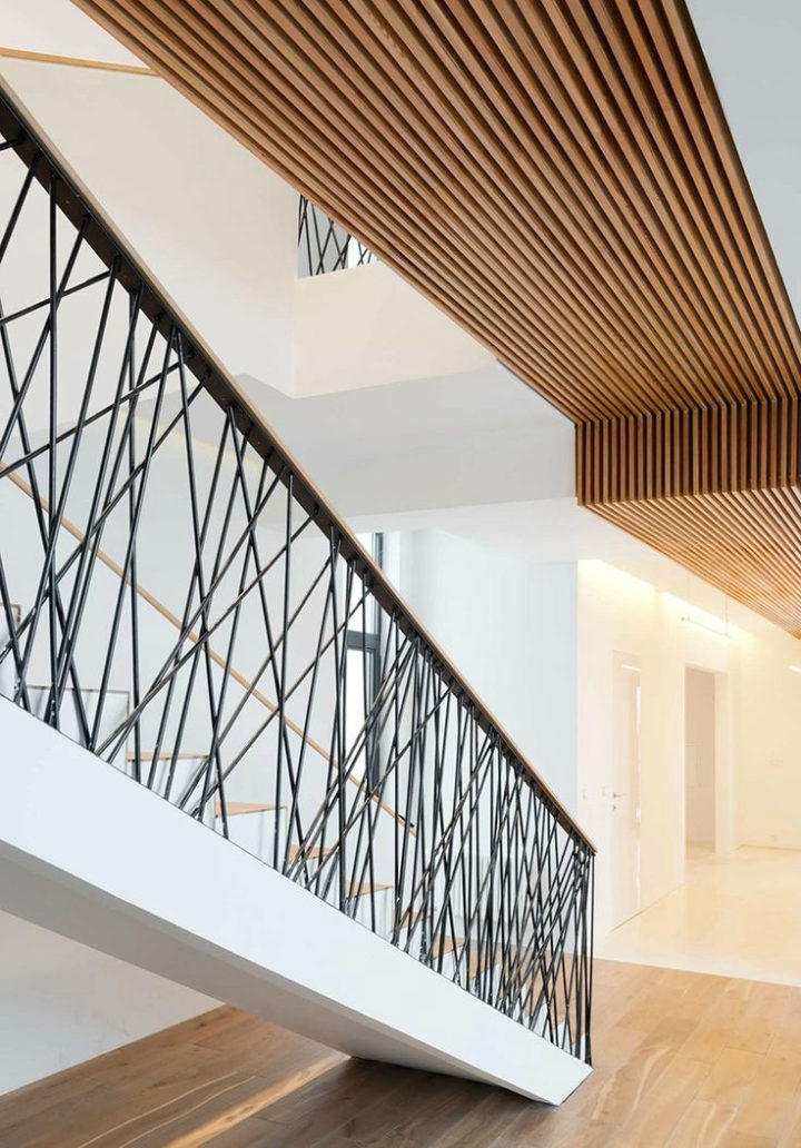 interior stair rails with random steel supports