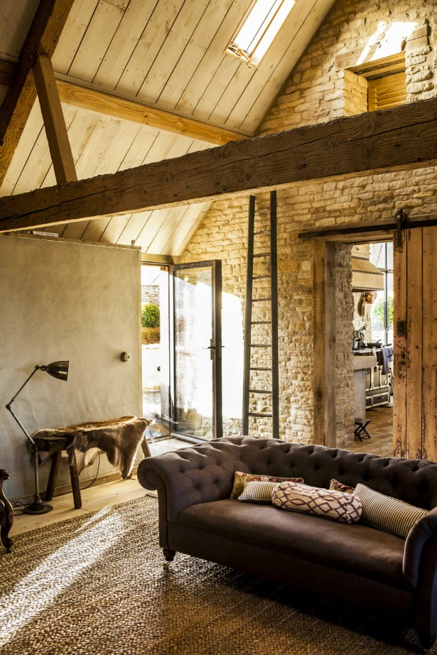 old barn home with Traditional And Contemporary Design 18
