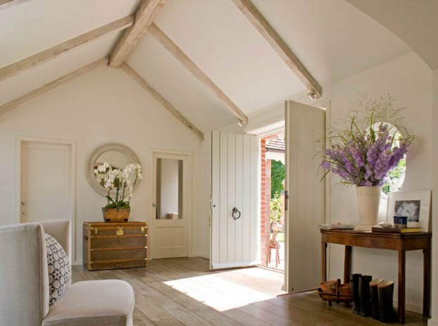 Beautifully Decorated Country House In Sussex 3
