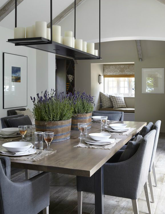 Beautifully decorated country house in sussex decoholic for Petite table salle a manger