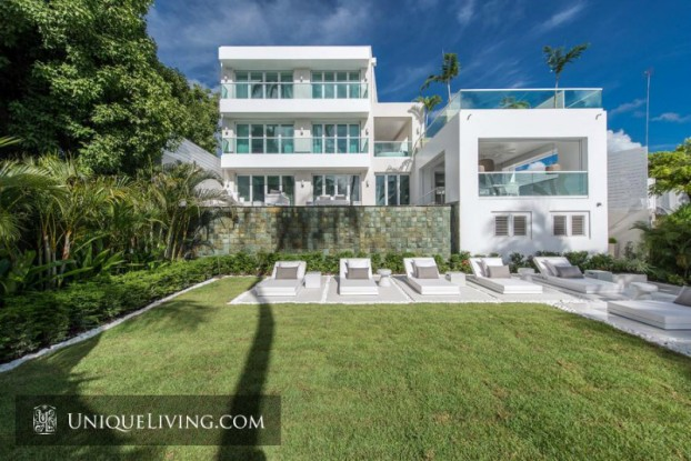 Avant-garde Luxury Beach Front Villa On Barbados 6