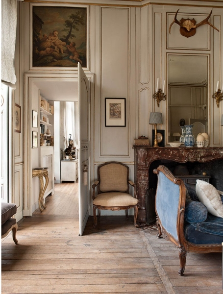 French romance through a poetic setting of antiques and for Antique interior design